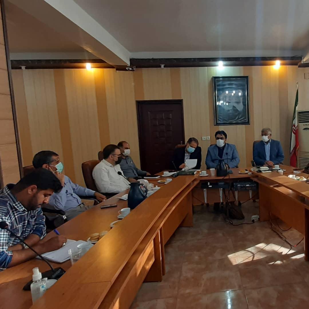 نشست صمیمی و تبادلنظر اعضای شورای شهر شوشتر با منتخبین شورای ششم